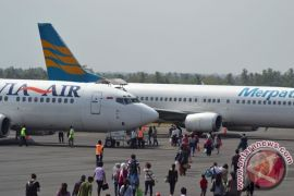 Penumpang di Bandara Radin Inten II Lampung naik