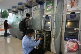 Tips hindari ATM skimmer