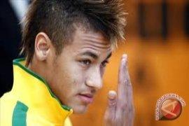 Neymar tanda tangani kontrak lima tahun dengan Barca