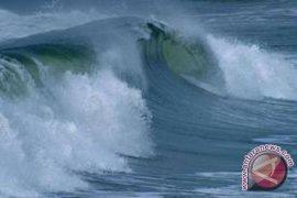 Gelombang Tinggi Masih Melanda Laut Mukomuko