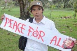 Profil - Hendrikus Adam, Tanpa Lelah Perjuangkan Lingkungan Hidup
