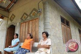 Warga Dusun di Sanggau Pilih Listrik Prabayar