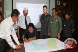 Peta Pendukung Batas Wilayah Kaltim-Kaltara Ditandatangani