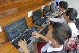 DPR AS tolak aturan Internet PBB