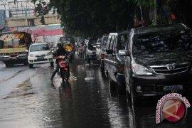 Dishub Ambon terapkan lagi parkir paralel di dua kawasan