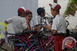 Kementerian Perindustrian telusuri laporan jajanan anak kemasan mirip kondom