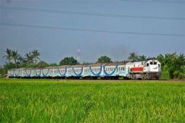Belasan KA lintas selatan Jawa mengalami keterlambatan