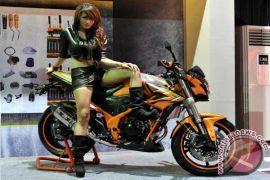 "Kompetisi ""freestyle"" untuk uji Honda CBR150R StreetFire"