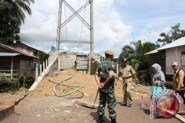 Warga Kampung Merasa Tunggu Jembatan Gantung