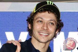 Rossi menderita patah kaki saat latihan
