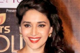 Aktris Bollywood Madhuri Dixit kembali berakting