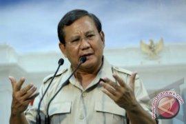 Prabowo Ucapkan Selamat Dan Minta Simpatisannya Dukung Jokowi