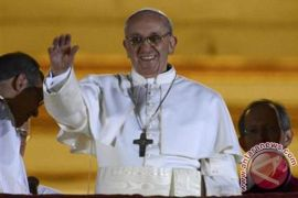 Paus: Jangan ke Roma, santunilah orang miskin