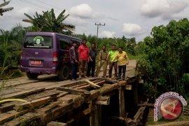 Warga Argo Mulyo Minta Perbaikan Jembatan
