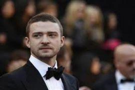 Remaja swafoto dengan Justin Timberlake di Super Bowl jadi perbincangan dunia maya