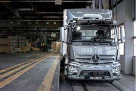 Perempuan Arab kini ambil bagian dalam industri truk