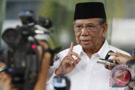 Kolom agama KTP mesti diisi, kata Hasyim Muzadi