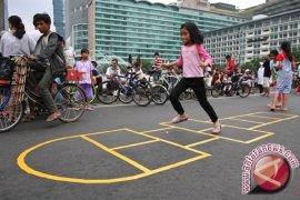 Anak Indonesia Diajak Bermain Permaian Tradisional