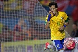 Barca Sakit Hati Ditinggal Neymar, Teringat Pengkhianatan Luis Figo
