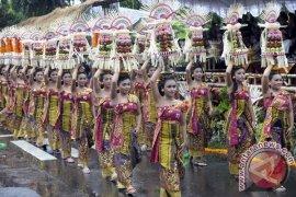 Prof Dibia Soroti Fenomena Degradasi Kesenian Untuk Pariwisata