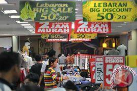 Ratusan makanan kadaluarsa disita jelang ramadhan