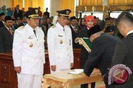 Gubernur Lantik Bupati dan Wakil Bupati  PPU Terpilih