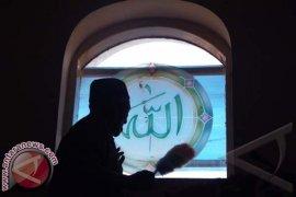 Terekam CCTV, Pencuri Kotak Amal Masjid Jembrana Tertangkap