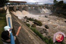 Sungai Ciliwung siaga satu banjir