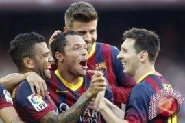 Adriano Absen Perkuat Barca Pada Piala Super Spanyol