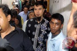 Ahmad Dhani sebut AQJ belum akan dibawa ke Singapura