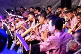 """Konser Molucca Bamboowind Orchestra """"hipnotis"""" Wisman Australia"""