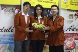 Mahasiswa WM Surabaya temukan pisang cegah koroner