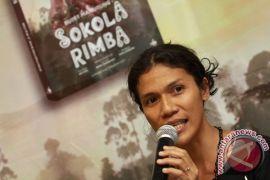 Cara Prisia Nasution dekati anak rimba