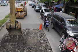 Pelaksana tol Becakayu segera benahi jalan KH Noer Alie