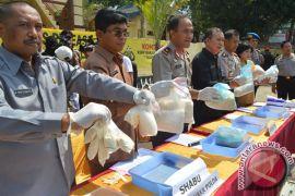 Wiranto minta Kepala BNN kerja keras tangkal narkoba