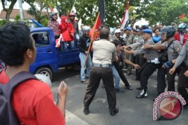 Unjukrasa Hari Sumpah Pemuda, tiga mahasiswa ditangkap
