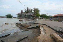 Pemkab Sukabumi Tanggulangi Meluasnya Abrasi Pantai