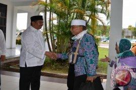 Wabup Ketapang Sambut Jemaah Haji di Batam