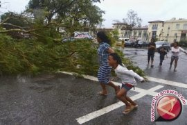 Kemungkinan 10 ribu tewas akibat topan di Filipina