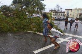 Topan Filipina tewaskan sekitar 10.000 orang