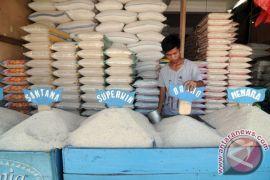 Banjir di Indramayu meluas, harga beras mulai naik