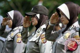 FPKS Depok sumbang jilbab untuk polwan