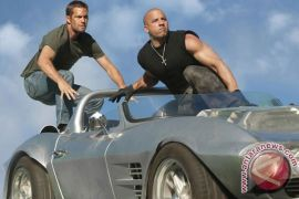 """Furious 7"" melaju ke puncak box office"