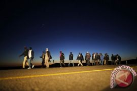 Ratusan imigran Afrika telantar di gurun pasir