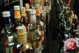 Satuan Sabhara Amankan Ratusan Botol Minuman Keras
