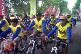 "5.000 Pesepeda Ramaikan ""Fun Bike Semen Indonesia"""
