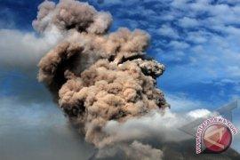 Pengungsi Bencana Sinabung Capai 25.810 Orang