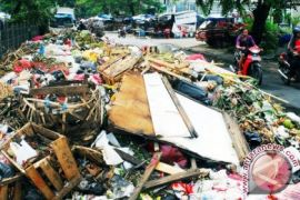 Pemkab Bekasi sambut baik wacana TPA regional