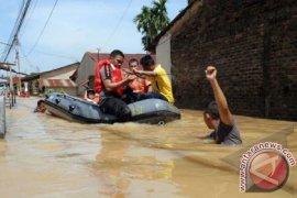 Waduh, Relawan Banjir Bekasi Kekurangan Pasok Makanan