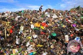 Tumpukan Sampah Sumurbatu Berbahaya